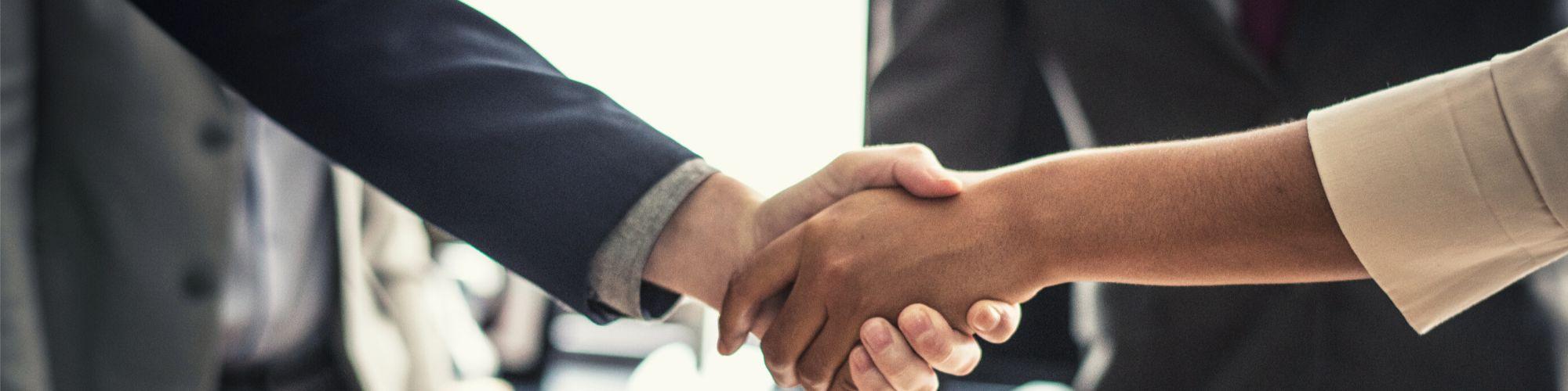Acuerdo para simular contratar un seguro